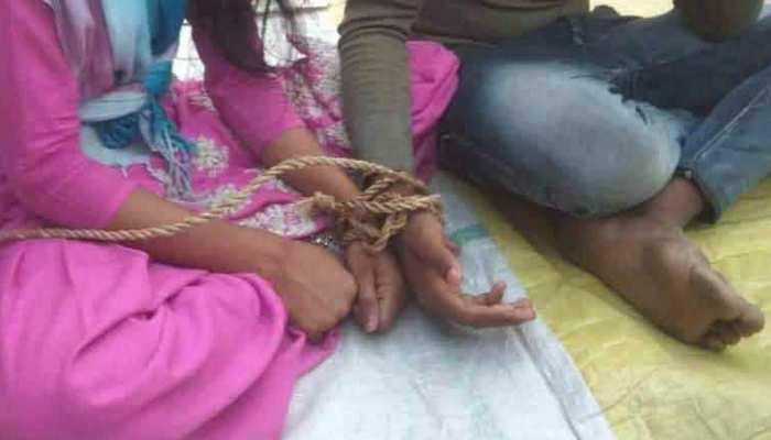 बिहार : पंचायत का तुगलकी फरमान, प्रेमी जोड़े की सरेआम पिटाई