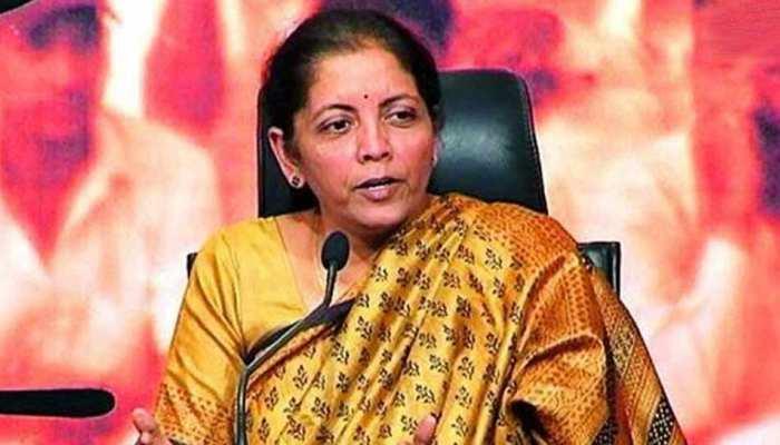 वित्त मंत्री ने वित्तीय क्षेत्र के नियामकों के साथ आर्थिक हालात, बजट प्रस्तावों पर की चर्चा