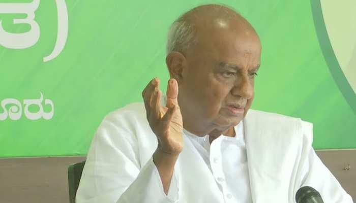 कर्नाटक: जेडीएस-कांग्रेस सरकार पर संकट के बादलों के बीच देवगौड़ा ने बुलाई अहम बैठक