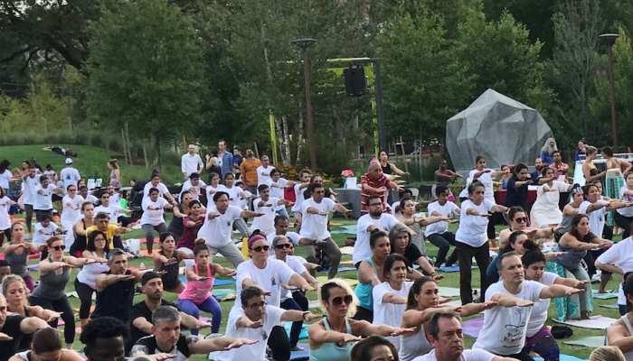अंतरराष्ट्रीय योग दिवस: तेल अवीव में सैकड़ों लोगों ने किया योग