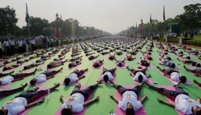मध्य प्रदेशः योग दिवस के कार्यक्रम में पीएम की फोटो नहीं लगाने पर बीजेपी नेताओं ने जताई आपत्ति