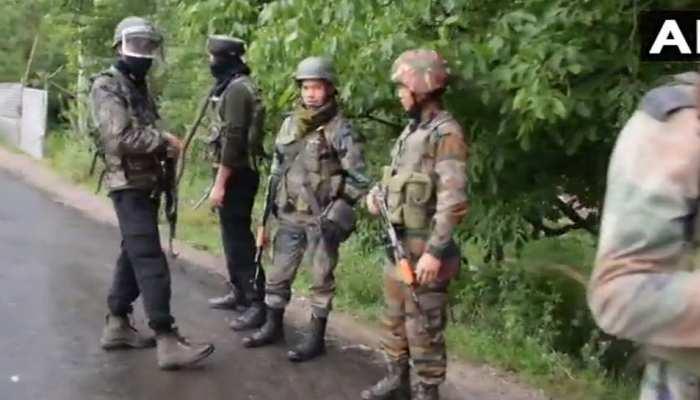 जम्मू कश्मीर: शोपियां में मुठभेड़ जारी, 2 आंतकियों को सुरक्षाबलों ने किया ढेर