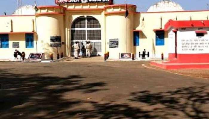 मध्य प्रदेश: नीमच जेल से पुलिस को चकमा देकर फरार हुए 4 कैदी, तलाश जारी