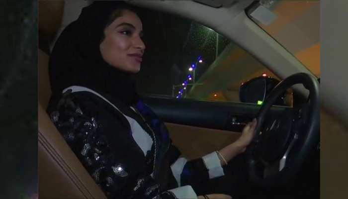 ड्राइविंग के अधिकार को निकाह की शर्तों में शामिल करा रही हैं सऊदी अरब की महिलाएं