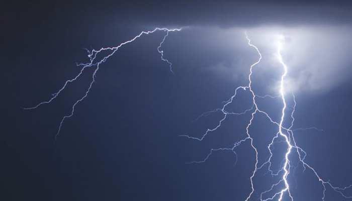 यूपीः बिजली गिरने की अलग-अलग घटनाओं में अब तक 17 लोगों की मौत