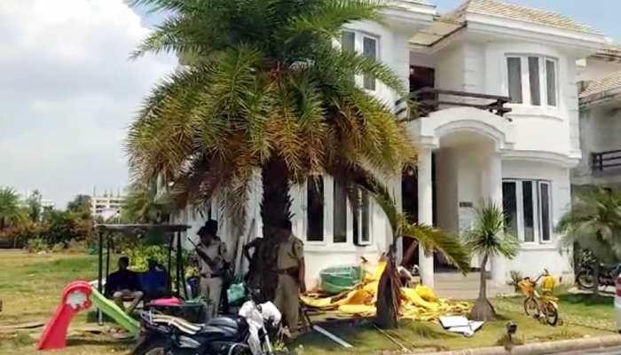 जबलपुर के रिटायर्ड SDO के घर EOW की छापेमारी, 400 करोड़ की संपत्ति के हैं मालिक