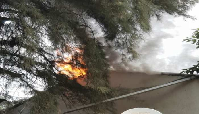 Noida Authority's fire broke out in office