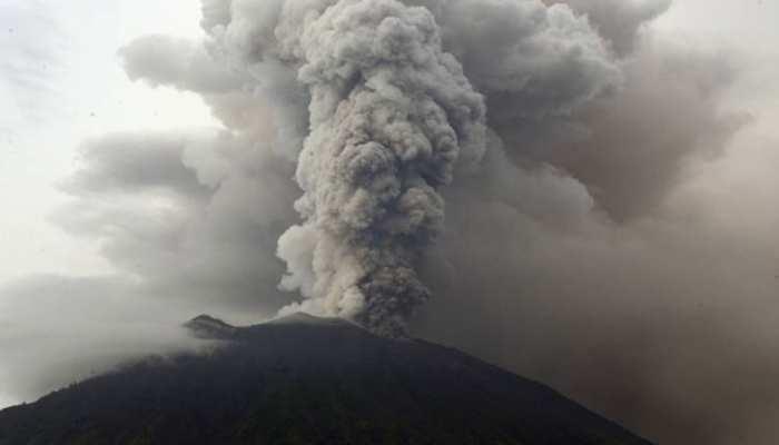 पापुआ न्यू गिनी में ज्वालामुखी से राख निकलनी शुरू, विस्फोट की चेतावनी जारी