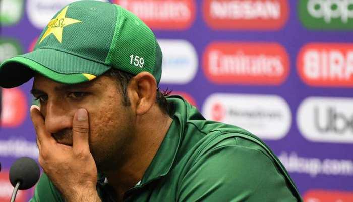 VIDEO: पाकिस्तानी फैन ने सरफराज को 'मोटा सुअर' कहा तो फफक कर रोई थीं पत्नी
