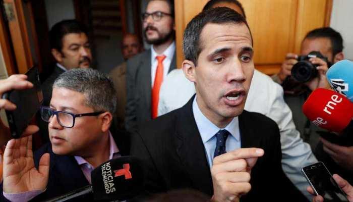 वेनेजुएला: विपक्ष के नेता ने सरकार के 'तख्तापलट' के दावे को किया खारिज