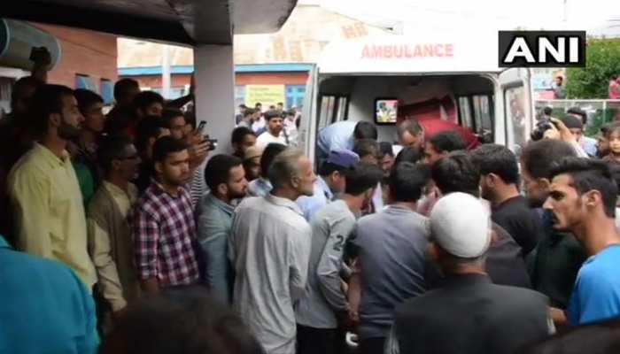 जम्मू कश्मीर के शोपियां में खाई में गिरी बस, 11 छात्रों की मौत