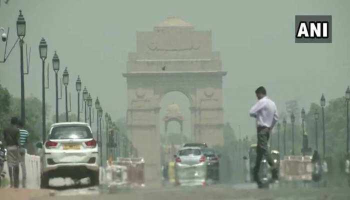 दिल्ली-NCR में मौसम ने ली करवट, दोपहर में हो सकती है झमाझम बारिश