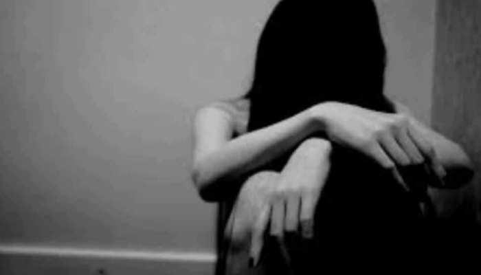 दुष्कर्म में नाकाम रहे लड़कों ने महिला को पिलाया जहर, उसके बाद जो हुआ...
