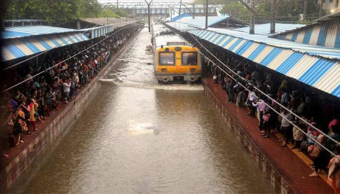 महाराष्ट्र में तेज बारिश: अब तक 33 की मौत, 75 घायल