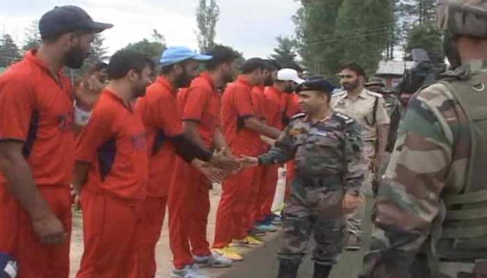 सेना ने आयोजित किया क्रिकेट टूर्नामेंट, कश्मीरी युवा बोले- हम शुक्रगुजार हैं