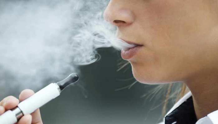 बैन होगी ई-सिगरेट, इसे 'ड्रग्स' कैटेगरी में लाने की तैयारी कर रही सरकार