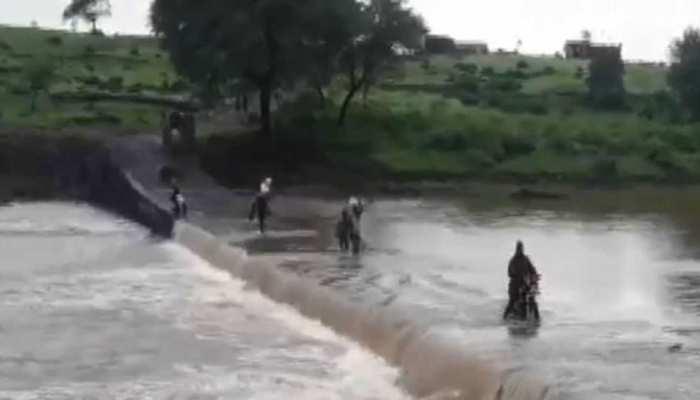 राजस्थान: मानसून की दस्तक के साथ शुरू हुई मूसलाधार बारिश, उफान पर नदियां