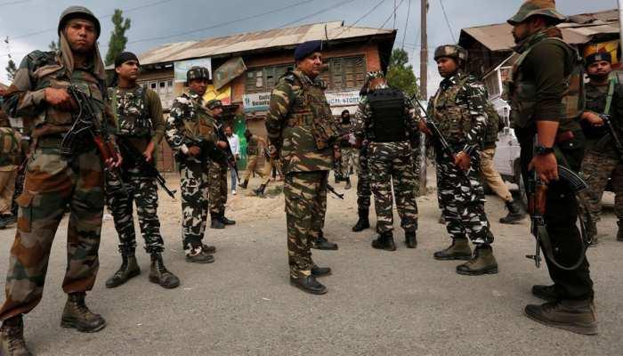 जम्मू-कश्मीर: सेब के बाग में छिपे थे आतंकी, सुरक्षाबलों से मुठभेड़ में एक हुआ ढेर