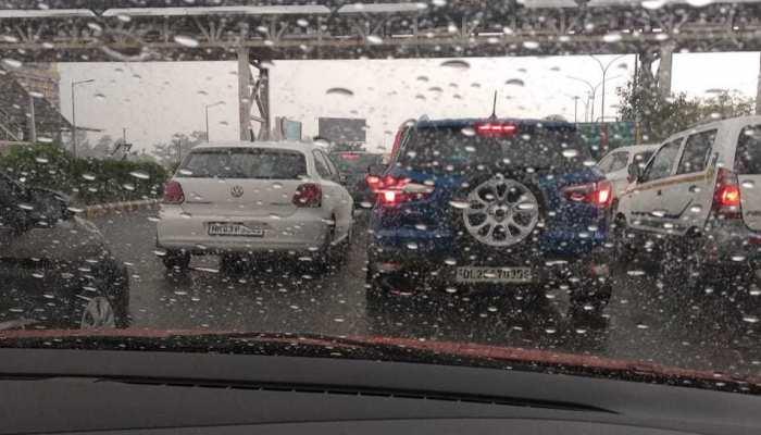दिल्ली-NCR में खत्म हुआ मॉनसून का इंतजार, झमाझम बारिश ने गर्मी से दिलाई राहत