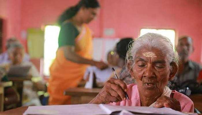 उदयपुर के इस गांव में चरखा चलाकर महिलाएं कर रही जीवन यापन, सरकार से मदद की है आस