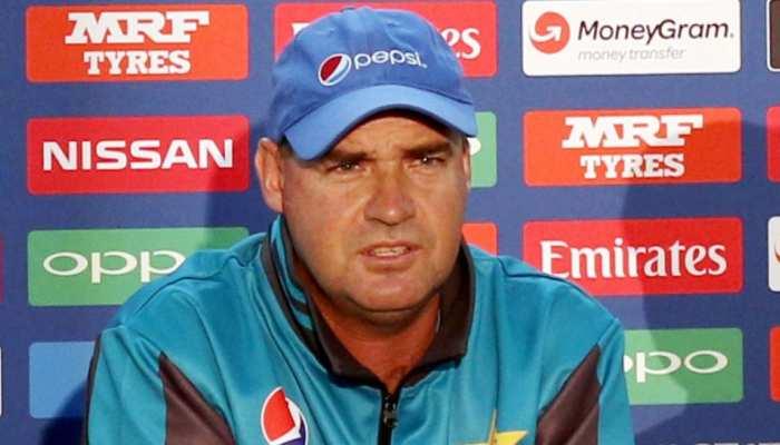 World Cup 2019: पाकिस्तानी टीम के कोच आर्थर की ICC से गुजारिश, एक बार फिर करे विचार