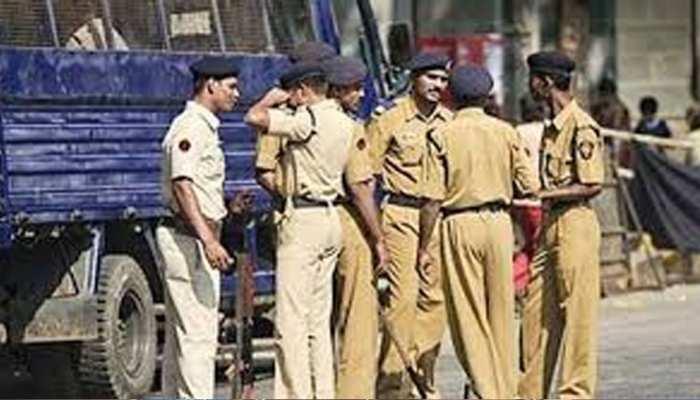 जयपुर: चौमूं पुलिस ने होटल में की छापेमारी, युवक-युवतियां संदिग्ध हालत में मिले