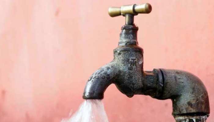 बीकानेर: पंजाब से आ रहे दूषित पानी को लेकर विरोध में उतरे लोग, अधिकारी को सौंपा ज्ञापन