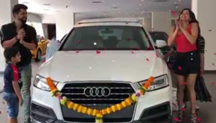 VIDEO: टीवी एक्ट्रेस मोनालिसा के घर हुई नए मेंबर की एंट्री, खरीदी ब्रांड न्यू ऑडी कार