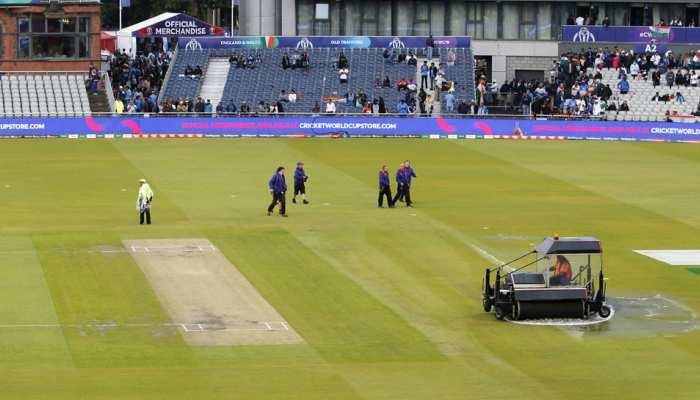 बारिश के कारण अधूरा रहा भारत-न्यूजीलैंड सेमीफाइनल मैच, ट्विटर पर फैंस ने यूं लिए मजे