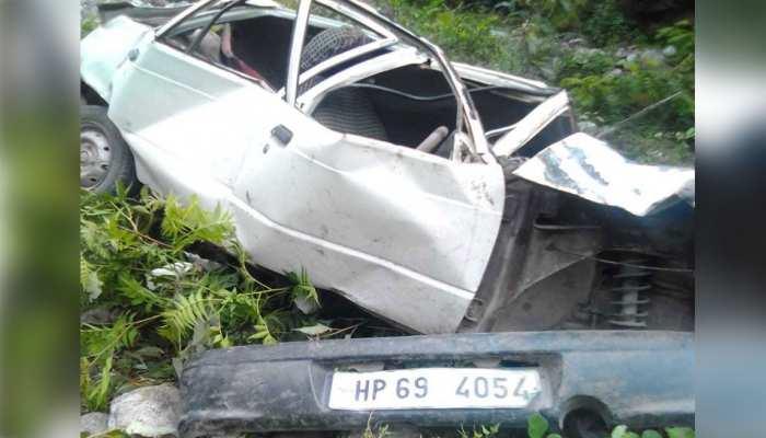 हिमाचल: कुल्लू में खाई में गिरी कार, दो लोगों की दर्दनाक मौत, 2 घायल
