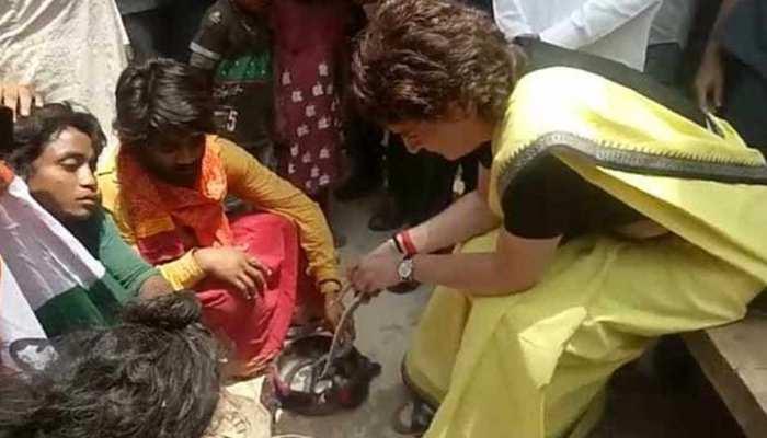 सांप से खेलने का प्रकरण: प्रियंका गांधी को मिली क्लीन चिट, सपेरे दोषी करार