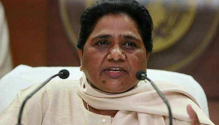 मायावती ने साधा निशाना, कहा-' विधायकों को तोड़कर लोकतंत्र को कलंकित कर रही BJP'