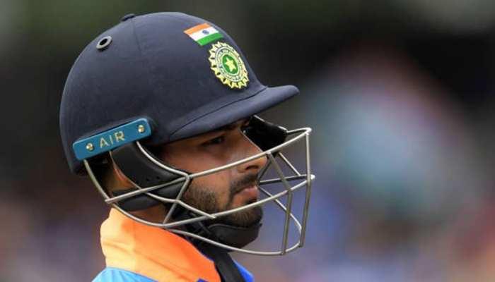 ऋषभ पंत ने ट्वीट करके कहा - 'मेरा देश, मेरी टीम', फैंस बोले - अगर गलत शॉट नहीं खेला होता तो...