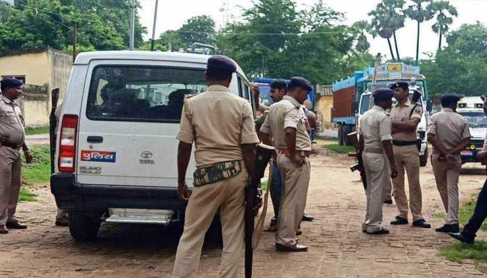 बिहार में जेडीयू नेता की थाने में मौत के बाद 2 पुलिसकर्मी निलंबित