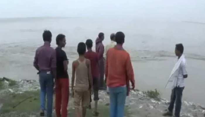 नेपाल में हो रही लगातार बारिश से कोसी का जलस्तर बढ़ा, मुश्किल में तटबंध के लोग