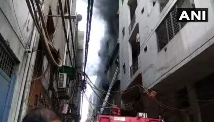 दिल्ली: झिलमिल इंडस्ट्रियल इलाके की फैक्ट्री में लगी आग, तीन की मौत