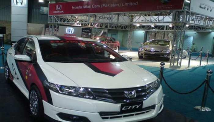 पाकिस्तान में ऑटो उद्योग बंद की कगार पर, कंपनियों ने कार उत्पादन रोका
