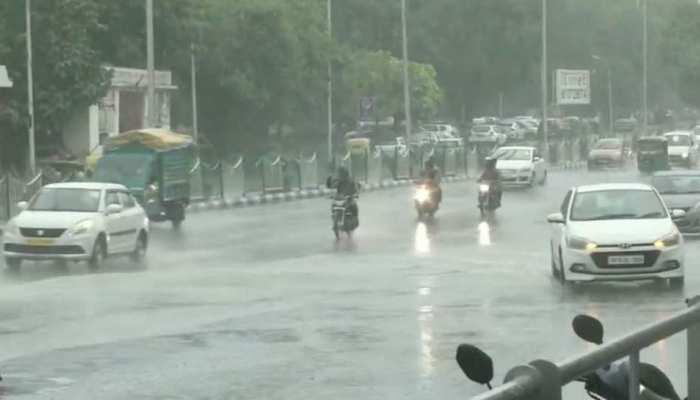 बारिश ने दिलाई गर्मी से राहत, UP के कई हिस्सों में आज भी बरस सकते हैं मेघ
