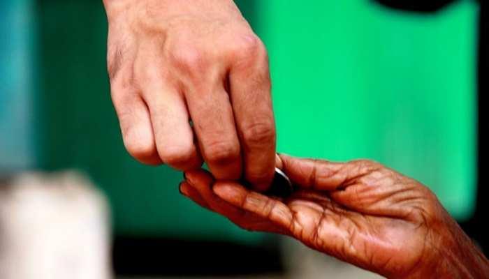 जम्मू: भिखारियों पर प्रशासन ने कसा शिकंजा, भीख मांगने पर लगा बैन