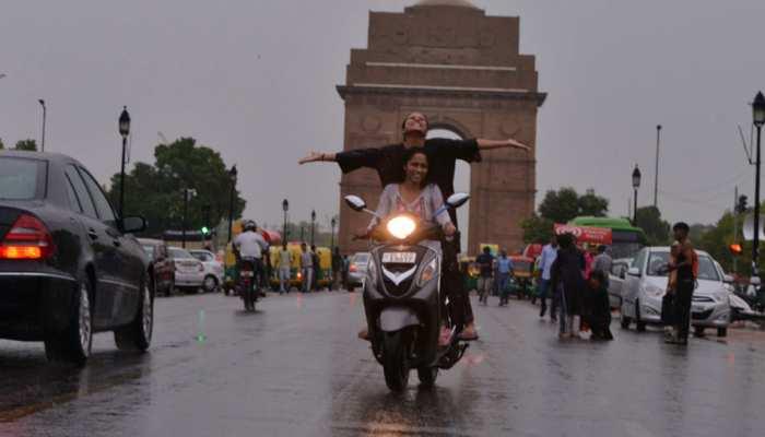सावन के पहले दिन दिल्ली-NCR में बारिश, पूरे दिन पड़ेंगीं हल्की-हल्की फुहारें