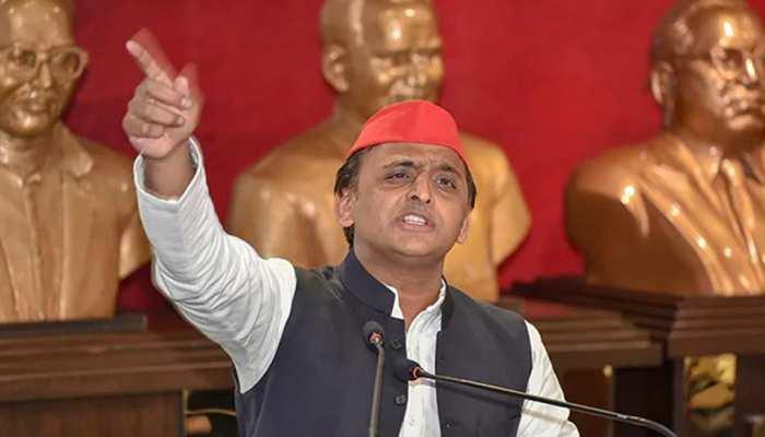 सोनभद्र में खून संघर्ष में 9 की मौत, अखिलेश बोले- BJP सरकार अपराधियों के सामने नतमस्तक