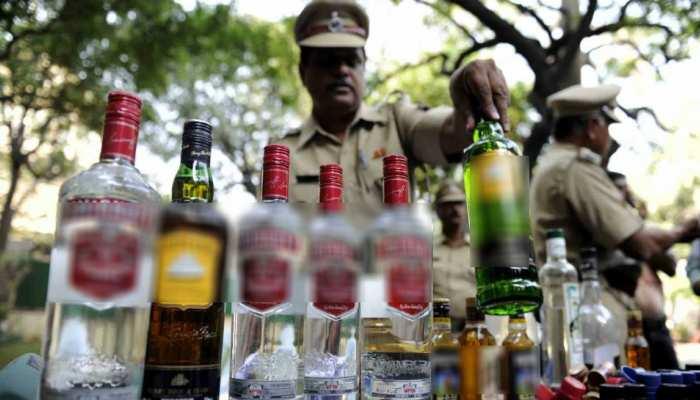 बेगूसराय: शराब की बड़ी खेप बरामद, 208 कार्टून विदेशी शराब जब्त