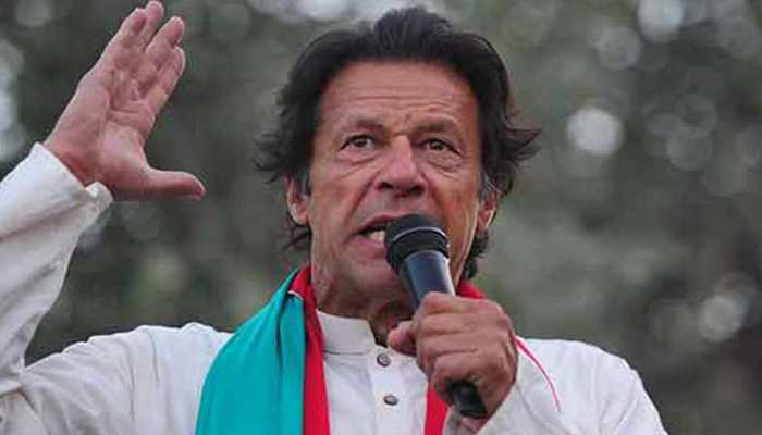 दबाव के आगे झुकना देश से गद्दारी, मेरा जीना-मरना पाकिस्तान में है: इमरान खान
