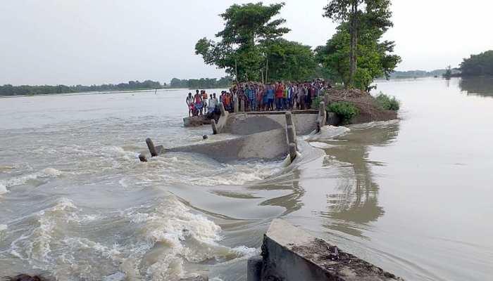 बिहार : बाढ़ पर सियासत जारी, आरजेडी ने सरकार पर लगाया गलत आंकड़े देने का आरोप