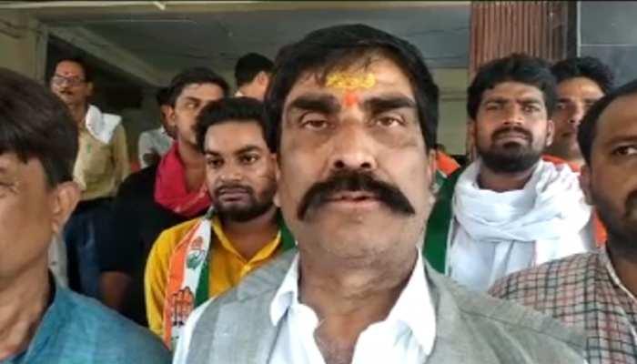 प्रियंका गांधी की गिरफ्तारी से बिहार में भी उबाल, गिरफ्तारी देने थाना पहुंचे कांग्रेस विधायक