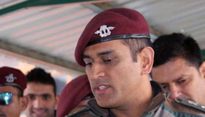 विंडीज दौरे में नहीं खेलने के बावजूद धोनी करेंगे देशसेवा, कश्मीर में हो सकती है तैनाती