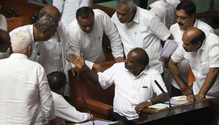 कर्नाटक में शक्ति परीक्षण कल, 2 MLA पहुंचे सुप्रीम कोर्ट, मायावती बोलीं-BSP विधायक सरकार के साथ
