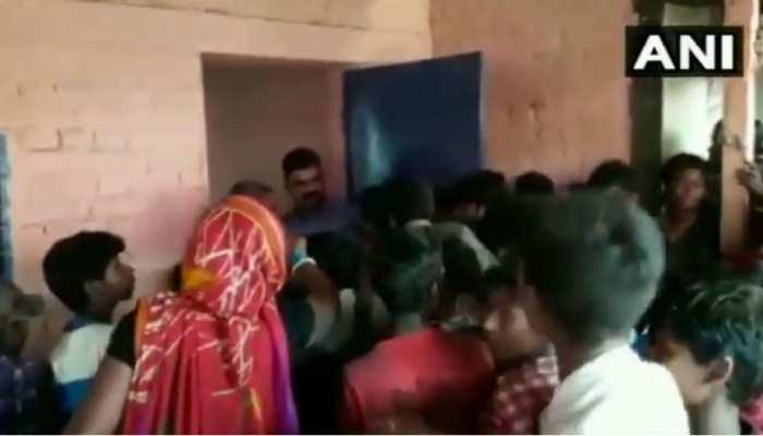 बिहार: खाना नहीं मिलने पर भड़का बाढ़ पीड़ितों का गुस्सा, कम्यूनिटी किचन में किया हंगामा