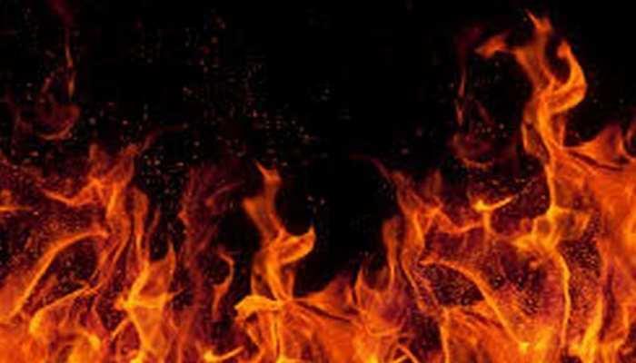 नोएडा मेट्रो रेल के दफ्तर में लगी आग, मौके पर पहुंची कई दमकल गाड़ियां