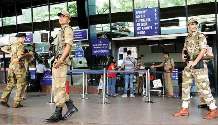 कुछ यूं सीआईएसएफ की नजर में आए फर्जी पासपोर्ट, 4 मुसाफिर पहुंचा दिया सलाखों के पीछे